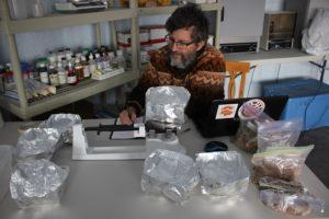 Weighting soil samples